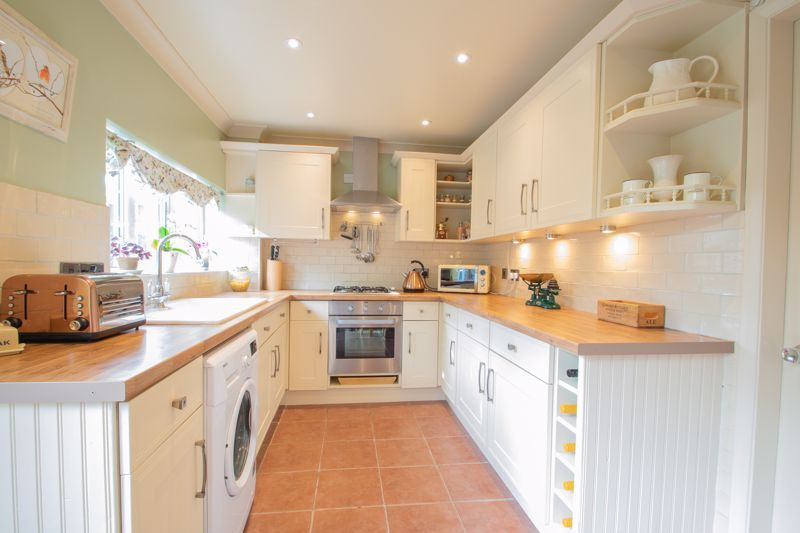 3 bed house for sale in Ravensitch Walk 6