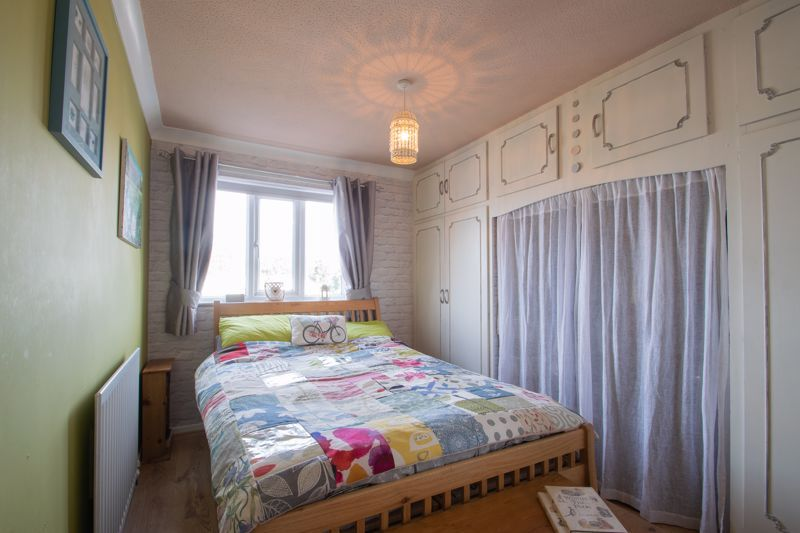 3 bed house for sale in Ravensitch Walk 8