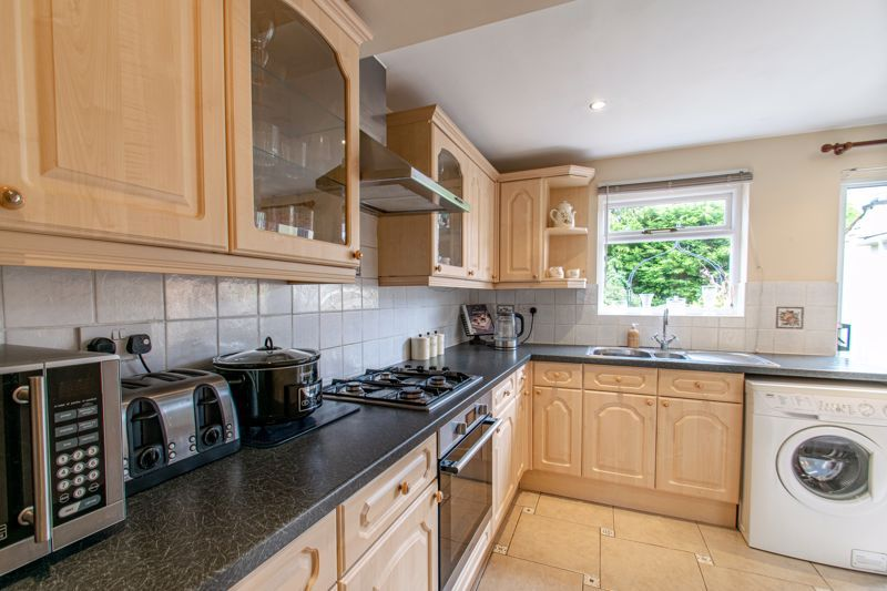 3 bed house for sale in Church Street  - Property Image 2