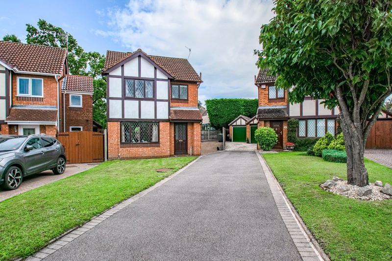 3 bed house for sale in Avon Close 1