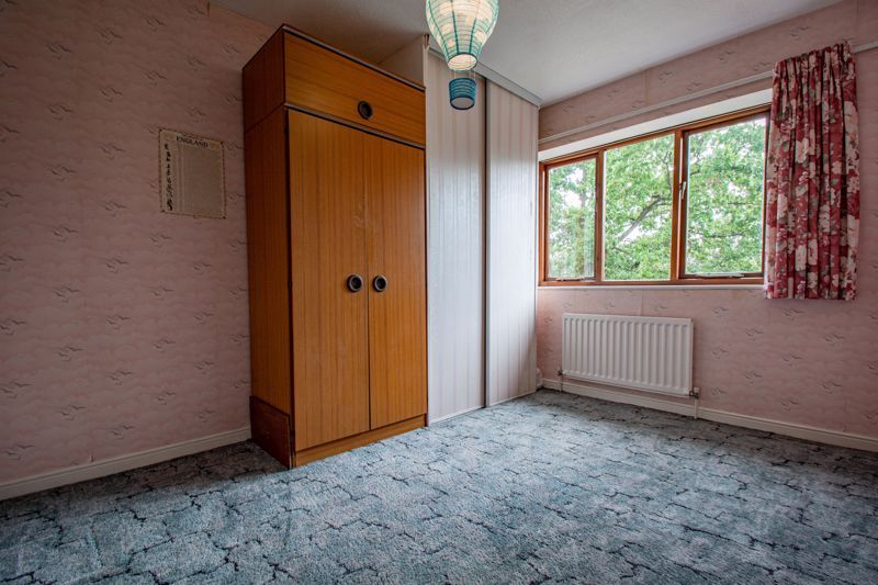 3 bed house for sale in Avon Close 8