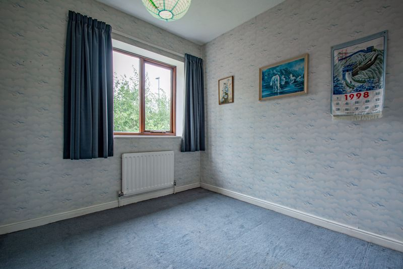 3 bed house for sale in Avon Close 10