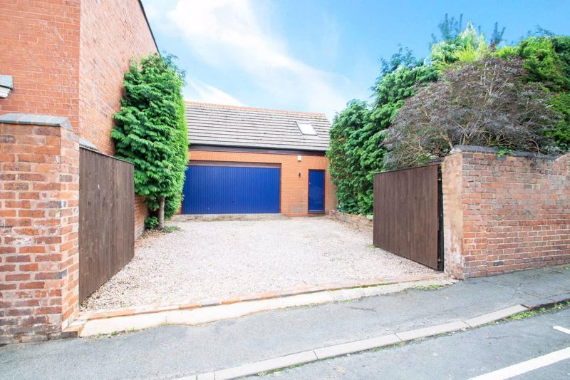 3 bed house for sale in Mount Road 2