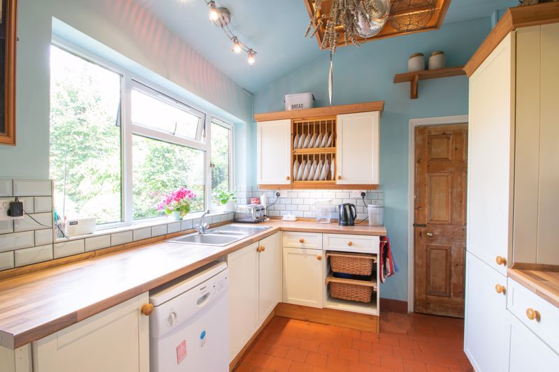 3 bed house for sale in Mount Road 17