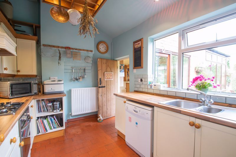 3 bed house for sale in Mount Road 19