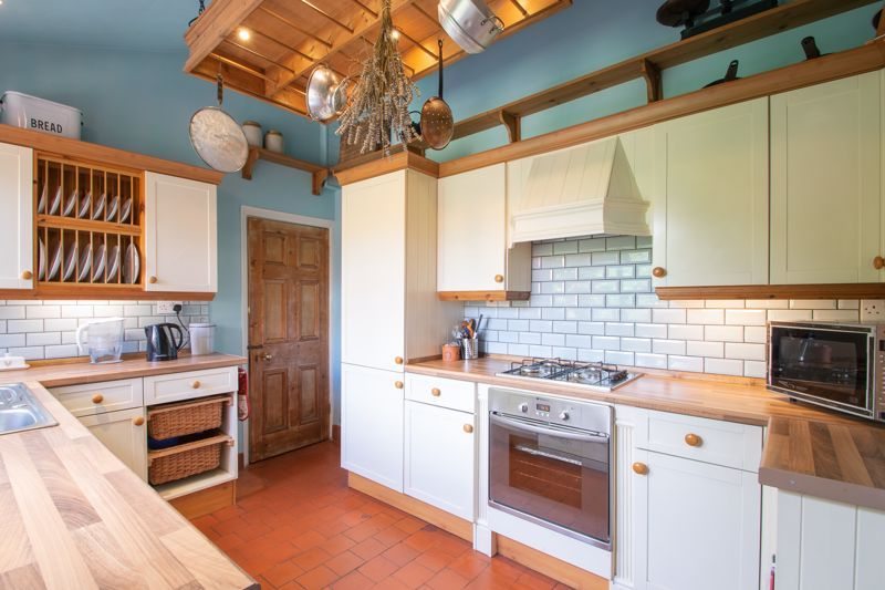 3 bed house for sale in Mount Road 6