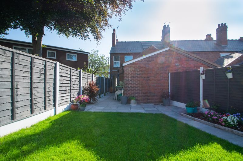 2 bed house for sale in Halesowen Road 13