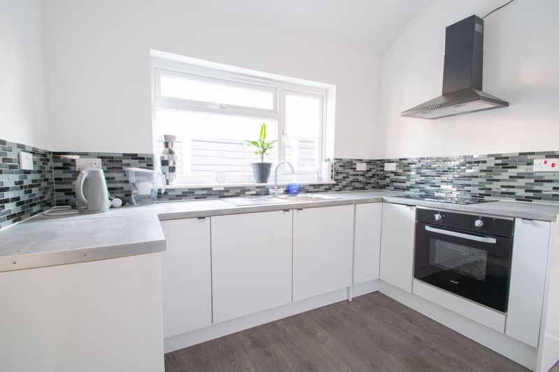 2 bed house for sale in Halesowen Road 4