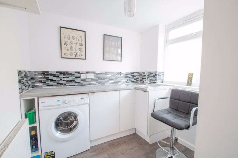2 bed house for sale in Halesowen Road 5