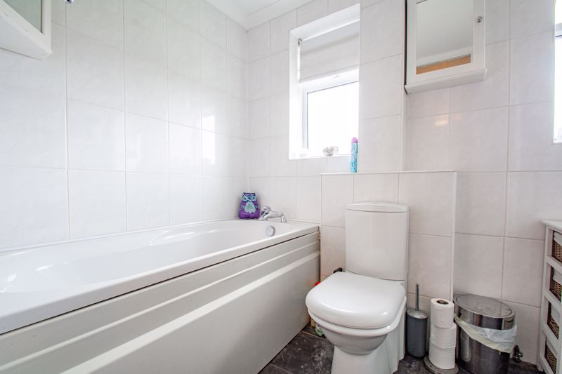 3 bed house for sale in Byland Close 11