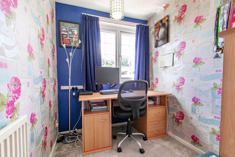 3 bed house for sale in Salford Close 11