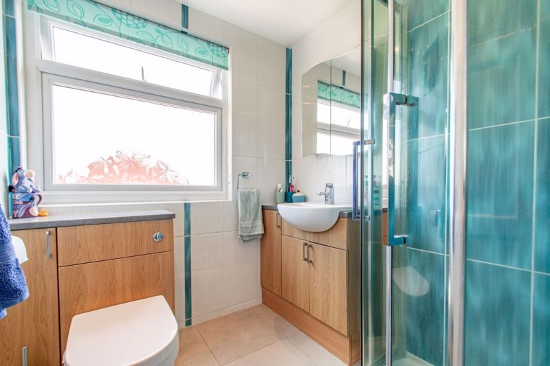 3 bed house for sale in Salford Close 12