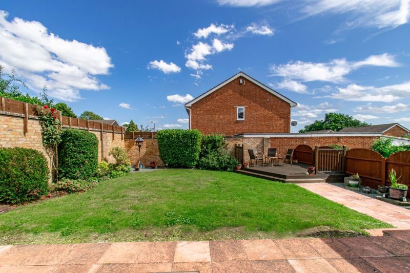 3 bed house for sale in Salford Close 13