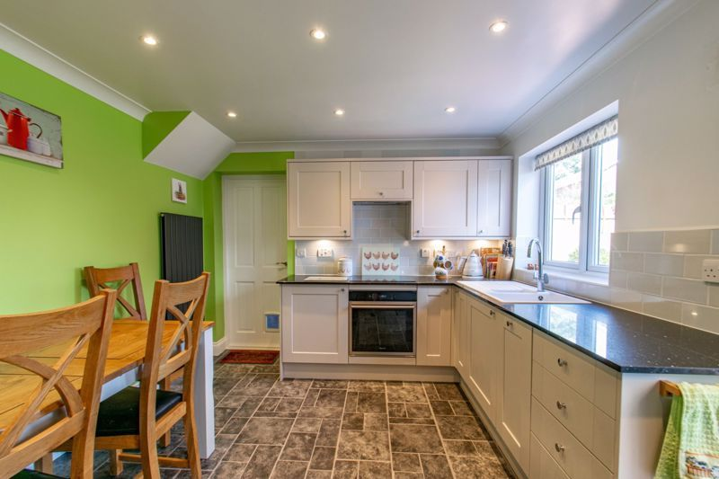 3 bed house for sale in Salford Close  - Property Image 3