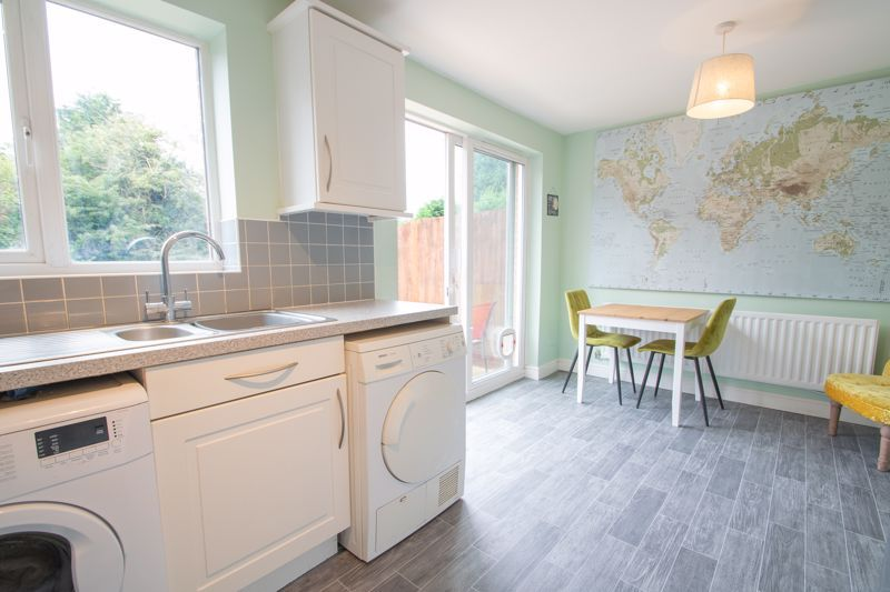 3 bed house for sale in Bickon Drive 4