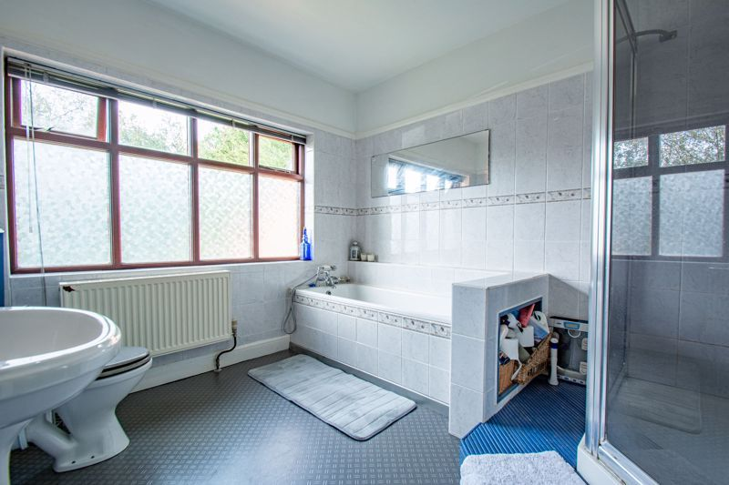 3 bed house for sale in St. Kenelms Road 12