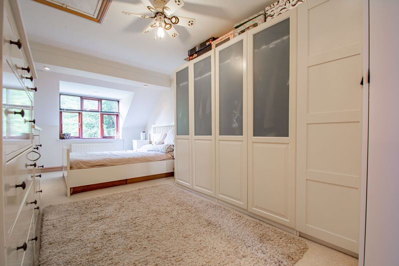 3 bed house for sale in St. Kenelms Road  - Property Image 8