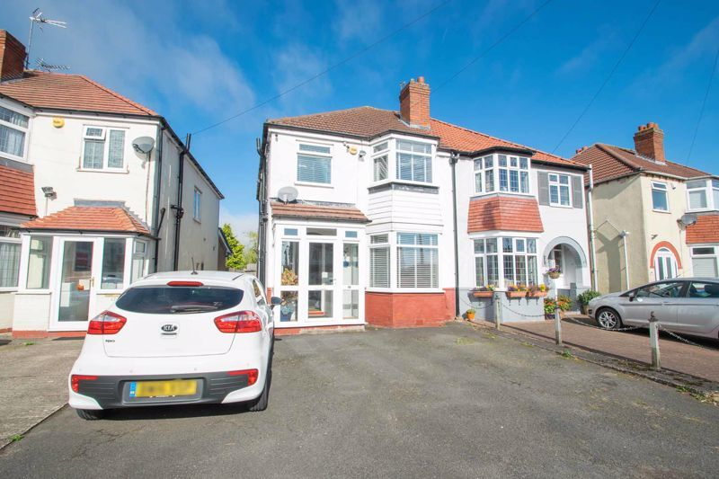 3 bed house for sale in Perry Hill Road  - Property Image 1