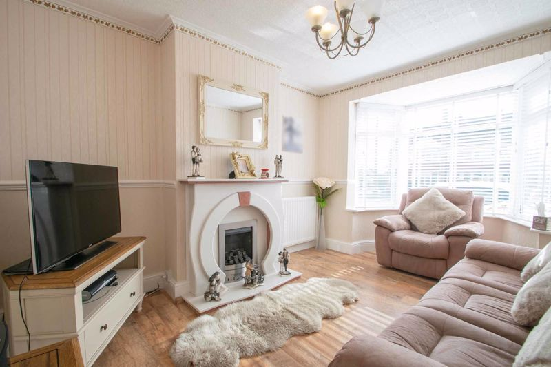 3 bed house for sale in Perry Hill Road 2