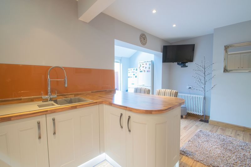 3 bed house for sale in Perry Hill Road 16