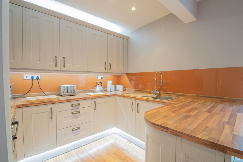 3 bed house for sale in Perry Hill Road 3