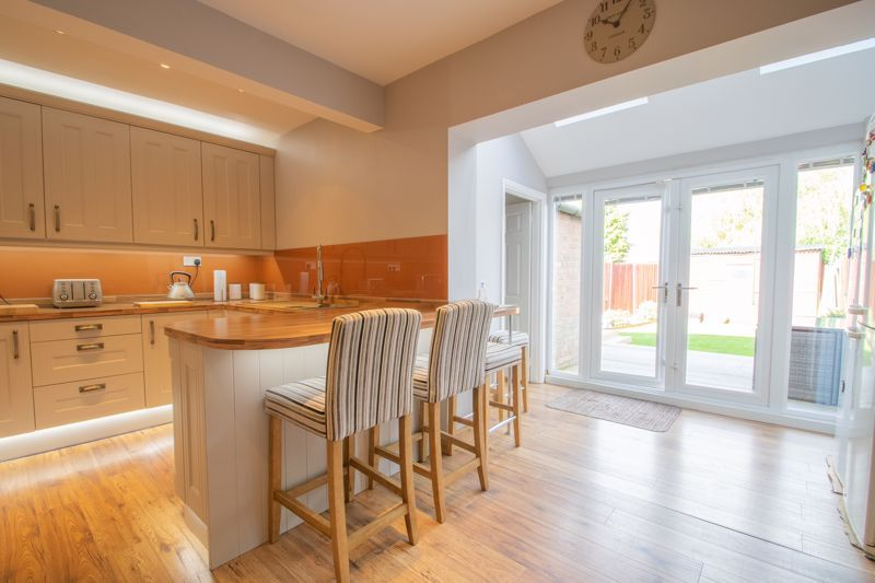 3 bed house for sale in Perry Hill Road  - Property Image 5