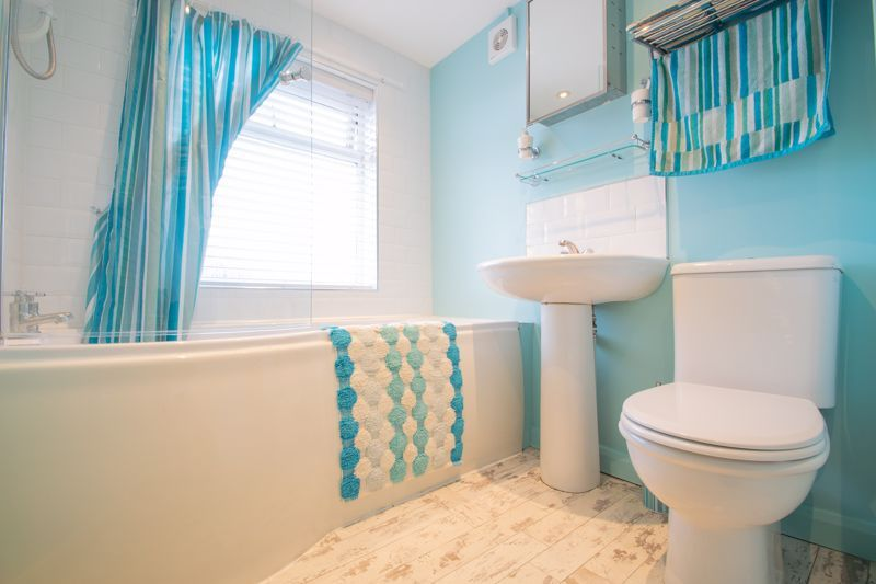 3 bed house for sale in Perry Hill Road 10