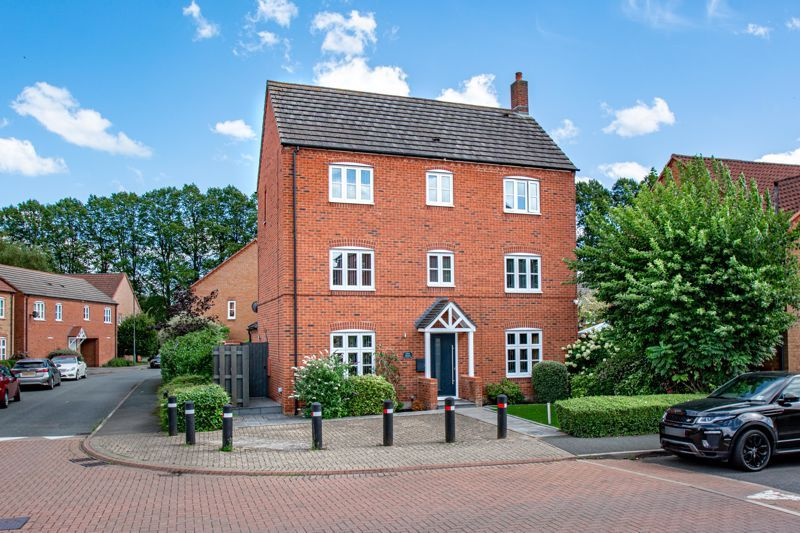 4 bed house for sale in Railway Walk  - Property Image 1