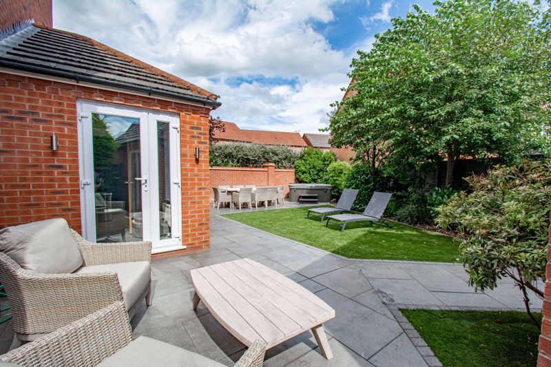 4 bed house for sale in Railway Walk  - Property Image 12