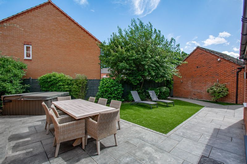 4 bed house for sale in Railway Walk  - Property Image 13