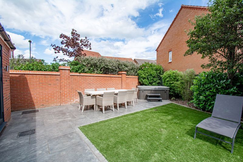 4 bed house for sale in Railway Walk  - Property Image 14