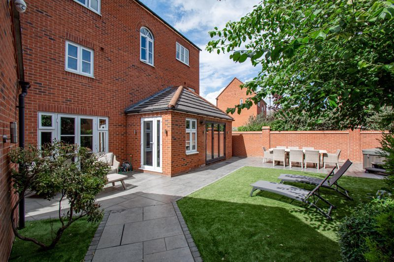 4 bed house for sale in Railway Walk  - Property Image 15