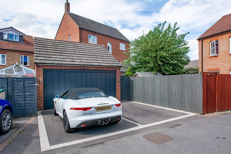 4 bed house for sale in Railway Walk  - Property Image 16
