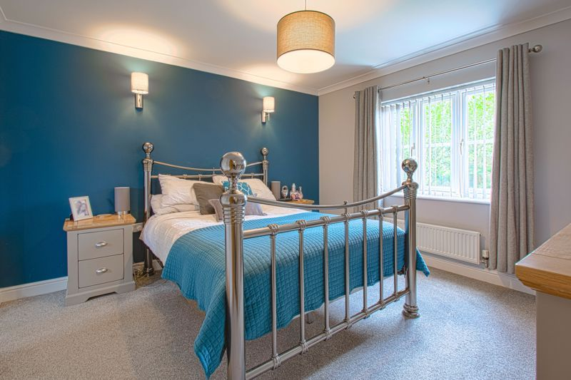 4 bed house for sale in Railway Walk  - Property Image 6