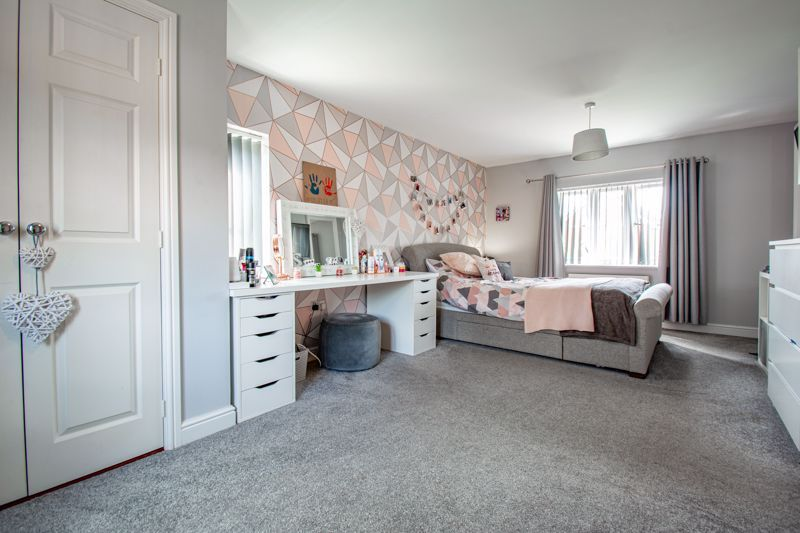4 bed house for sale in Railway Walk  - Property Image 10