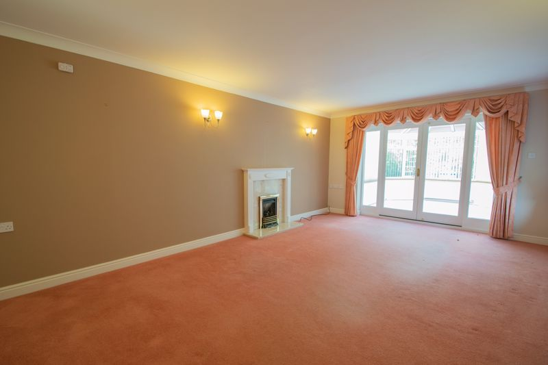 2 bed bungalow for sale in Lords Lane 2