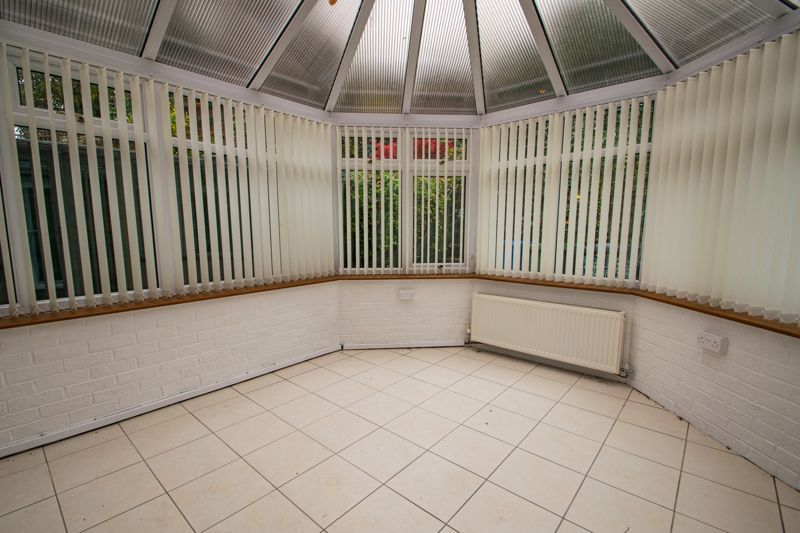 2 bed bungalow for sale in Lords Lane 12