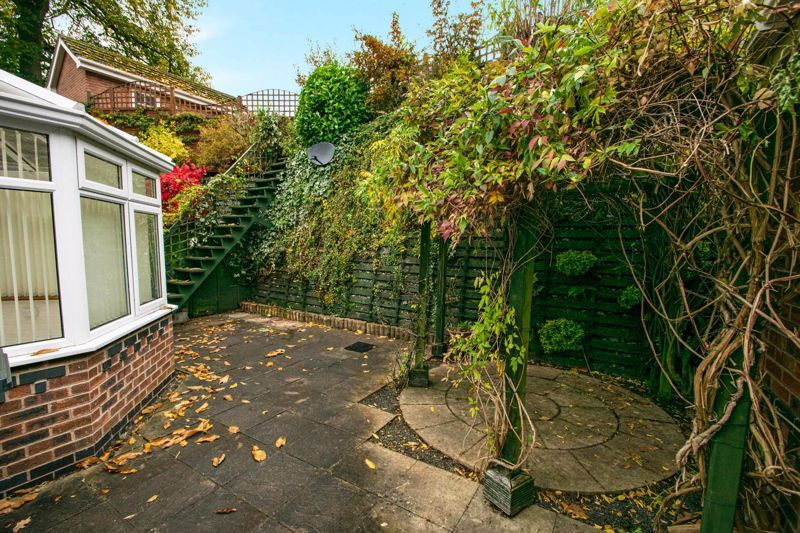 2 bed bungalow for sale in Lords Lane 16