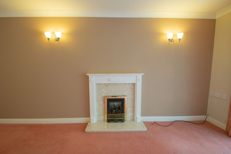 2 bed bungalow for sale in Lords Lane 4