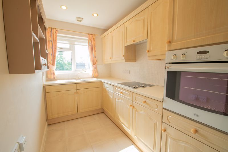 2 bed bungalow for sale in Lords Lane  - Property Image 5