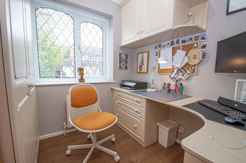 3 bed house for sale in Redstone Close 11