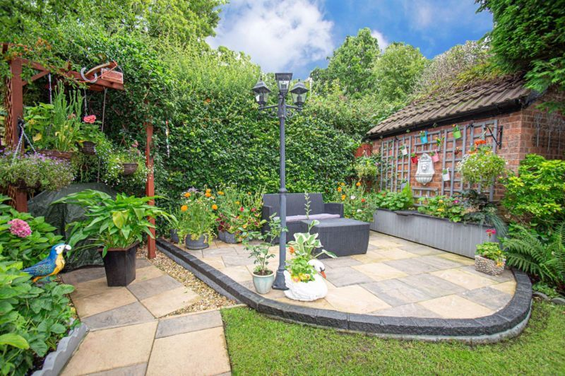 3 bed house for sale in Redstone Close 16