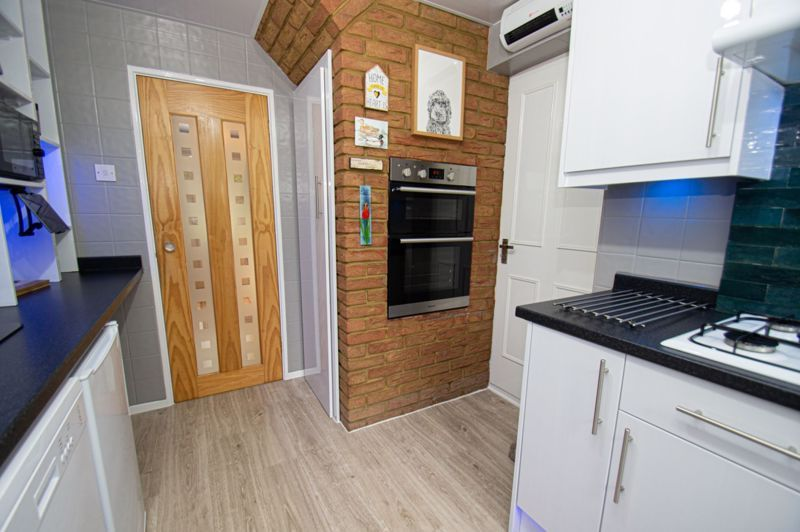 3 bed house for sale in Redstone Close 3