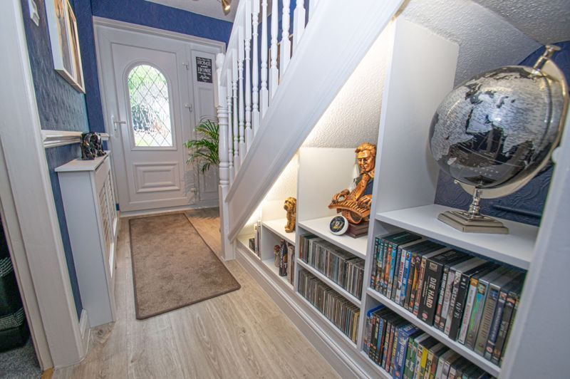 3 bed house for sale in Redstone Close 8
