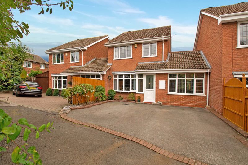 3 bed house for sale in Maisemore Close  - Property Image 1