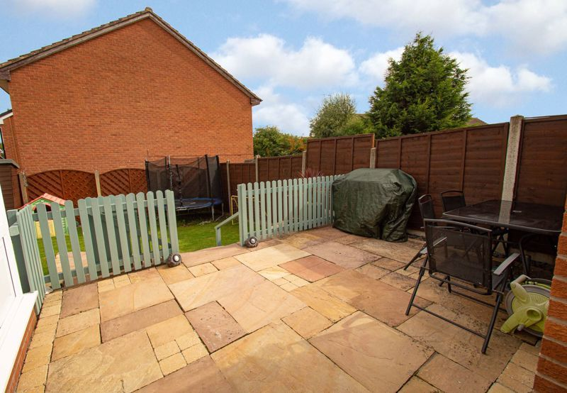 3 bed house for sale in Maisemore Close 18
