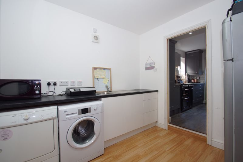 4 bed house for sale in Foxholes Lane 12