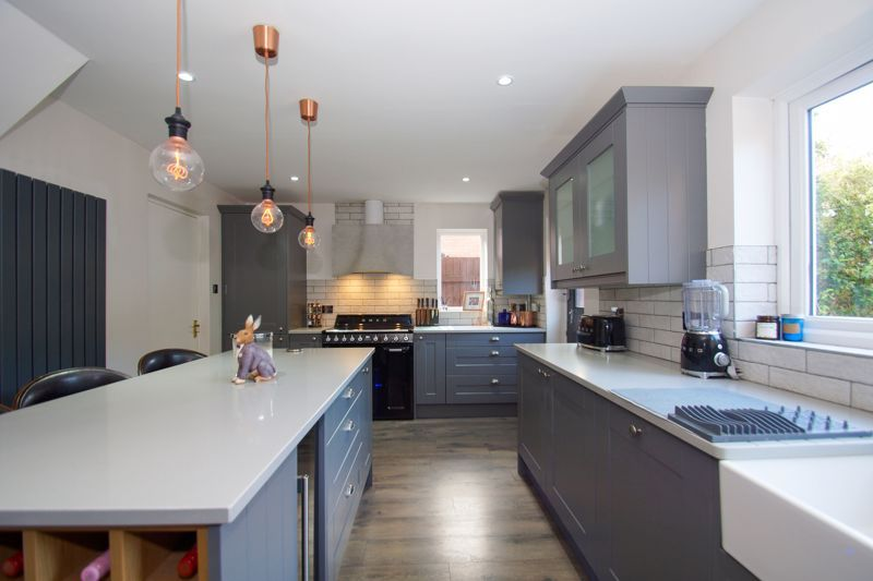 4 bed house for sale in Foxholes Lane 5