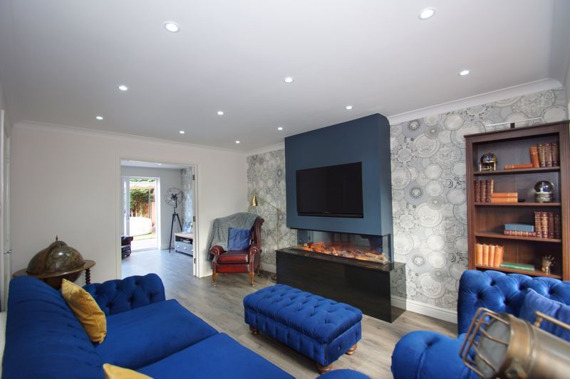 4 bed house for sale in Foxholes Lane 8