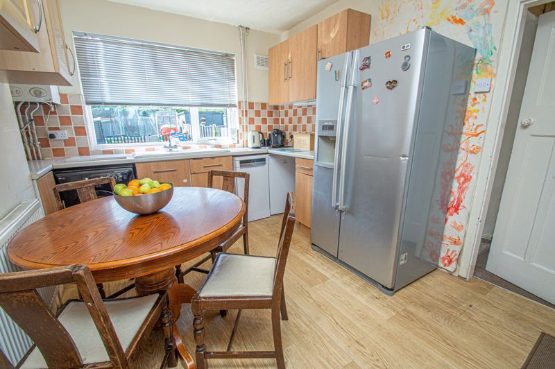 3 bed house for sale in Highfield Crescent 5